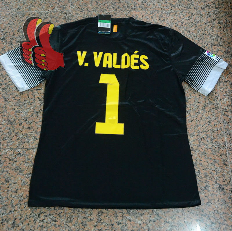 Top-2014-New-Spain-Barca-V-VALDES-Player-Version-Patch-V3-GoalKeeper