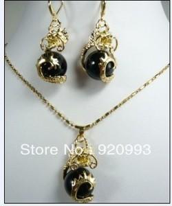 free P&P*******beautiful dragon black jade pendant necklace Earrings set