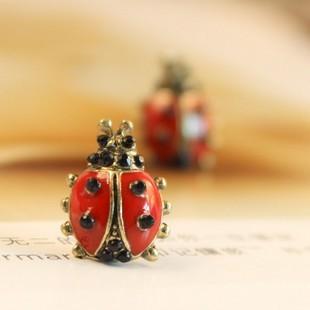 Free shipping,Min order is 15$ (Mixed order) Fashion Vintage Cute Ceramic Glaze Ladybird Ladybug Beetle Earring Stud Promotion