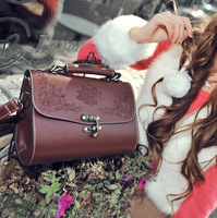 2013 New Arrivel Fashion Lacquer vintage carved box female bags,Euro Hot Selling Popular Soulder Bags