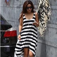 Hot-selling loose black and white stripe tank dress sexy one-piece dress beach dress beach dress hot-selling