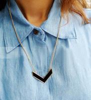 wholesale 10pcs/lot A-0082 fashion single v the arrow gold all-match black oil fashion female necklace 9.9