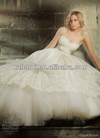 Most Popular Sweetheart Pleat 2013 Appliques Bow Tulle Layer Big Ball Gown Wedding Dress in Zuhair Murad