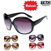 Designer Sunglasses Women Retro Designer Inspired Square Chic Womens Oversized High Quality Metal Hinge Temple  Sunglasses