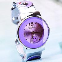 Free shipping Circle exquisite elegant women's smiley bracelet watch birthday gift watch 161149