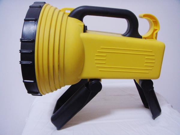 Free shipping, Charge type flashlight emergency light car super bright portable lamp emergency light field lights folding(China (Mainland))