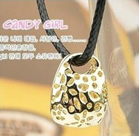 Free shipping more than $15+gift exquisite CHOW TAI FOOK rope cutout small bags lock leather chain necklace gift well
