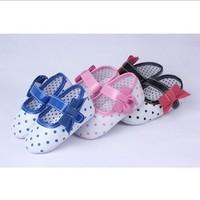 Fashionable Blue/Pink/Black Sweet Polka Dot Decoration Baby Shoes Nice Bowtie Velcro First Walker for Infant Antiskid Footwear