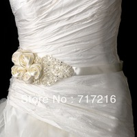 Best selling stunning crystal beaded hand made flower wedding dress sash wedding dress belt wedding accessory