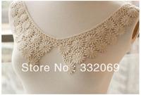 A Pair Network burst models at a single soluble lace collar lace cotton lace fake soluble lace on collar