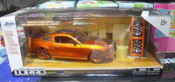 Lara mowery jada alloy car models 2010 FORD ford mustanggt1 : 24 car model 96467