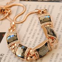 Crystal necklace female short design fashion chain decoration necklace fashion necklace do not fade