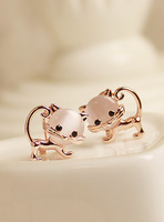 Fall in love moonstone russy cat stud earring