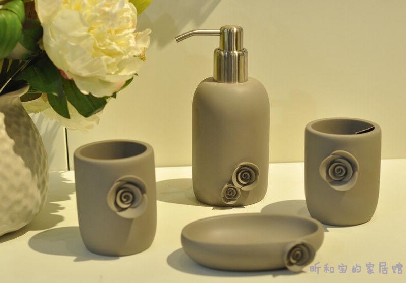 Fin piece set gift box gift set soap dispenser soap dish shukoubei circled(China (Mainland))