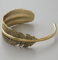 Min Order $18(Can Mix Item)Fashion vintage ethnic gold tone alloy curving vivid feather/leaf cuff bracelet