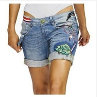 Women's fashion DESIGUAL embroidery sequins curling do the old denim shorts / hot pants