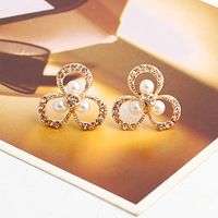 Brincos Min.order is$10  18K Gold Plated   2013  pearl cutout clover stud earring e8929a