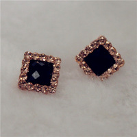 Mix Order Classic Gold Diamante Earrings Woman Stud Earrings Zinc Alloy Earrings Lady Jewelry Nayoo