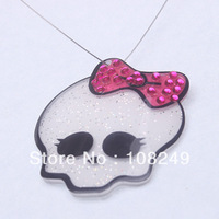 20pcs 50mm chunky resin skull glitter resin necklace pendants.Halloween style skull head with pink bow jewelry resin charms.