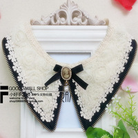 Hot sales fashion accessoires women decorative collars zipper vintage flower head pearl lace false collar peaked collar necklace