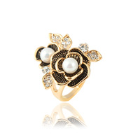 trendy metal finger jewelry, 2013 newest rhinestones pearls fashion flower alloy finger ring TR-2788