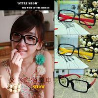 Hot saleThe new wave of female non-mainstream fashion colored glasses retro black-rimmed square glasses frame without lenses Fra