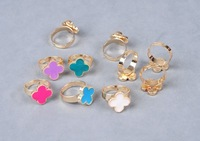 2013 New 10 Colors Fluorescence Color Oil Drip Four Leaf Clover Women Rings Jewelry Free Shipping