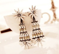 Min.order is $15 (mix order) 2013 Fashion long flower drop earring jewelry,Luxury artificial gem drop earrings for women E145