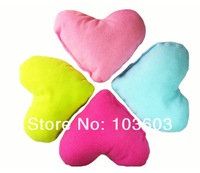 20pcs/lot Candy Color Pets Love Peach Heart Pillow Plush Toys Dog Solid Color Pillow Love Patterns Small Cushions Pet Supplies