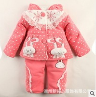 Free shipping 2014 Baby Piggy systemic Floral two bunny sweater coat pocket a small piece girl's suits