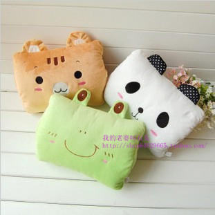 Cartoon frog multifunctional lunch pillow hand warmer pillow cushion