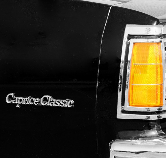 Caprice Classic Emblems Caprice Classic / Cruz