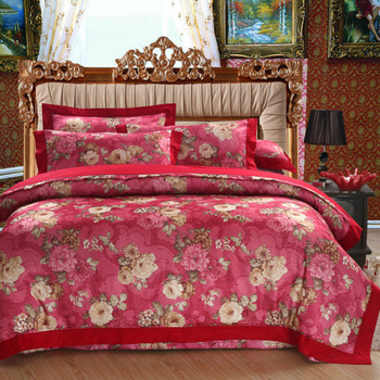 Color Jacquard fabric with exquisite embroidered craft Hollow cotton 4pcs wedding bedding sets Let you sleep comfortably at ease