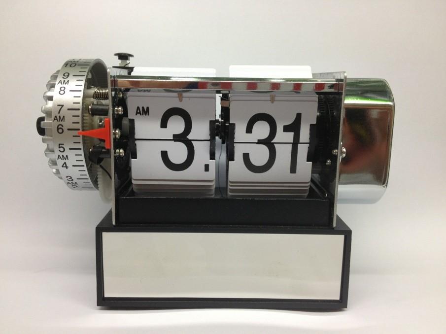 Fashion small alarm clock flip auto flip alarm clock(China (Mainland))