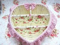The cane makes up basket remote storage basket basket jewelry basket rural powder vanquish a heart-shaped large three baskets