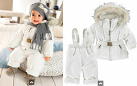 Retail fur hooded cotton-padded coat pants winter baby boy gril 2pcs set ,winter kid's coat suspeders pants set