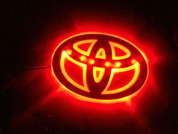 Бесплатная доставка! Авто логотип декоративные фонари для Toyota авто знак светодиодные лампы авто эмблема свтеодиодный фонарик красный