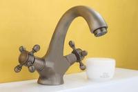 Copper double handwheel basin antique faucet basin hot and cold faucet