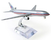 Free shipping!! NEW 1:400 16CM METAL B777 AMERICAN AIRLINES Retail&Wholesale Plane model toy plane airplane