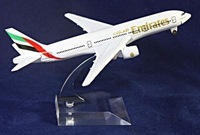 Free shipping!! NEW 1:400 16CM METAL BOEING 777 EMIRATES AIRLINES Retail&Wholesale Plane model toy plane airplane