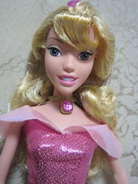 Free shipping Fashion toys Popular toy dolls plastic girls' gift BBWW0001(China (Mainland))