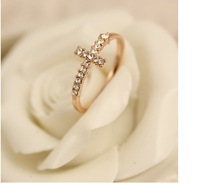 Hot sale Korean style exquisite gorgeous Yoon Eunhye fashion cross ring with imitation diamond wedding rings for women rose gold