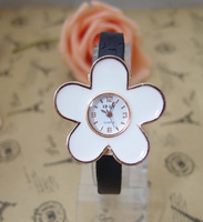 Wholesale Genuine Black Leather High Quality Big Flower Fashion Women Quartz Watch Ladies kow053