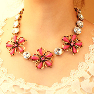 Vintage Antique Flower Crystal Water Drop Acrylic Gem Choker Bib Statement Necklace Big Rhinestone Flower Metal Chain Necklace