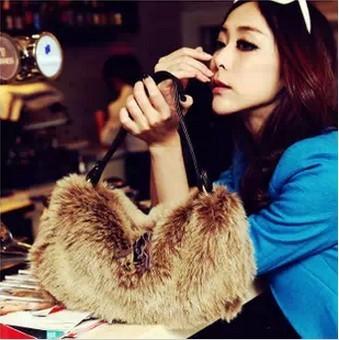 2013 new Korean version of the influx of women Sale autumn and winter fur imitation rabbit fur bag cute shoulder Messenger Bag