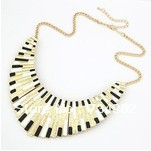Hotsale 52cm Black+white European and American punk style jewelry,Metal shell fan fake collar short necklace