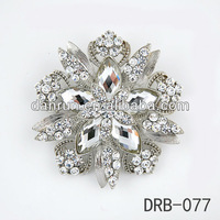 New shining brooch for wedding invitations glass rhinestone brooches DRB-077