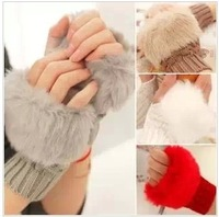Fashion Gentlewomen all-match plaid short design winter thermal yarn knitted semi-finger gloves