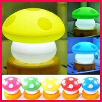 free shipping 10pcs New Charms Fashion Mini Warm Mushroom Clap Small Night Light Berth Lamp