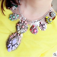 2013 Fashion brand Crystal Flower Chain Choker resin Necklace Exaggerate luxury Chunky Statement Jewelry For Women Free Shipping